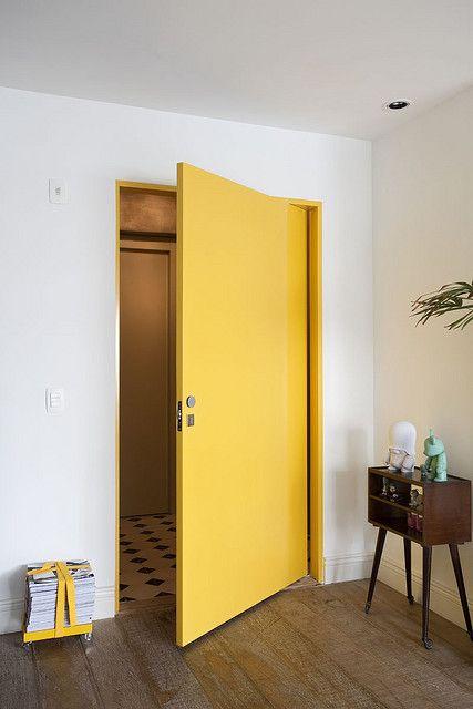 Manfaat Cat Warna Kuning untuk Pintu Ruang Belajar Anak
